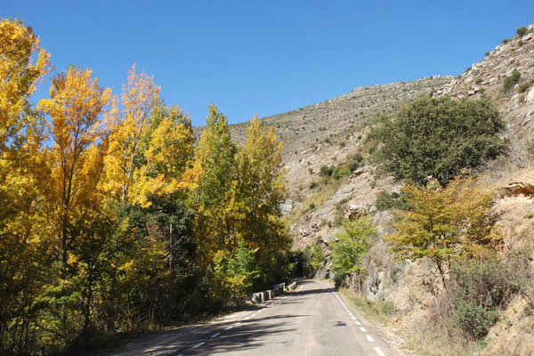 Prächtige Herbstbilder spanischer Berglandschaft