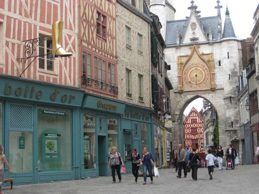 Meist fotografiertes Portal  von Auxerre