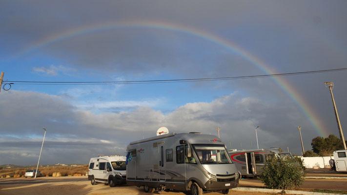 Unterm Regenbogen - bringt Glück