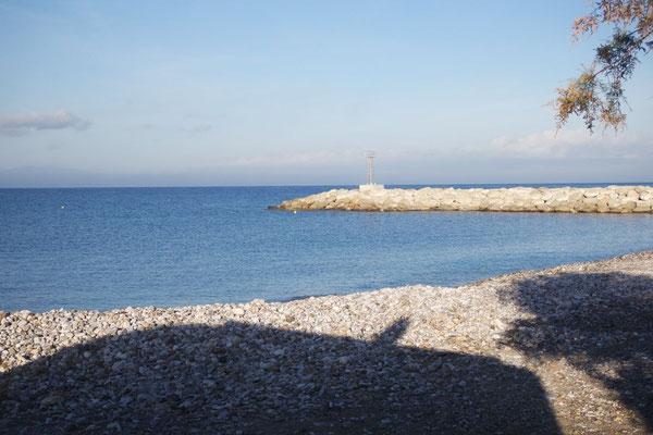 Morgensonne am Strand von Avias