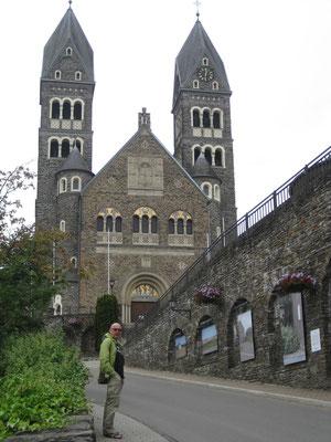 Unterwegs nach Vianden, die imposante Kirche von Clervaux