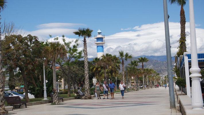 Der Torre an der Promenade in Torre del Mar