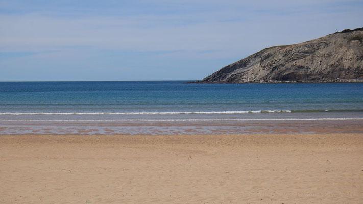 Wunderschöner Sandstrand, das Bild zeigt sich in der Feriensaison wohl etwas anders