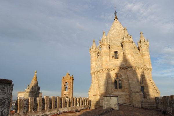 Auf dem Turm der Kathedrale von Évora
