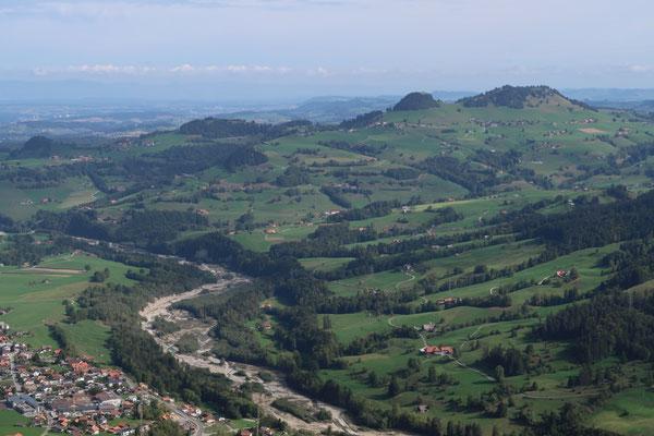 Vom Gurli bietet sich eine herrliche Aussicht übers Schwarzenburger Land
