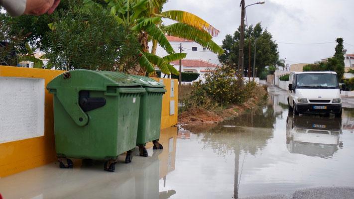 Das Ergebnis des lang ersehnten Regens - er hat gerade mal 2 intensive Stunden gedauert und für längeren Stromausfall gesorgt!