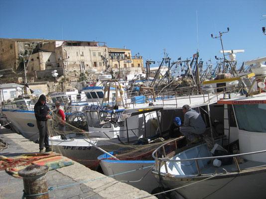 Der Fischerhafen von Sciacca lebt