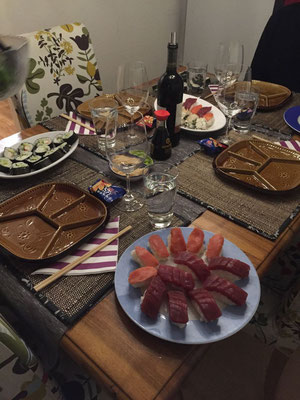 Leckere Sushi-Überraschung von/bei Sohnemann Manuel und seiner Antonia!