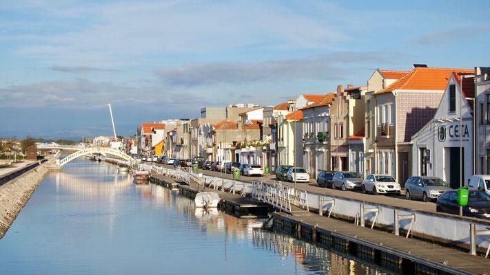 Aveiro, 60 km südlich von Porto .....