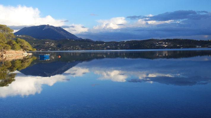 Oben ist auch unten - der Vouliagmeni See
