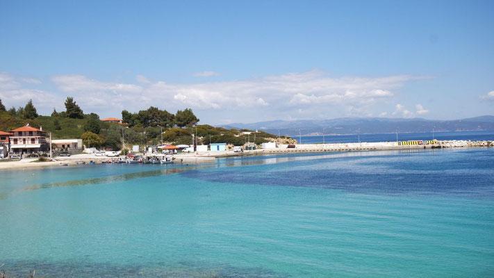 Der Hafen von Ormos Panagias auf Sithonia