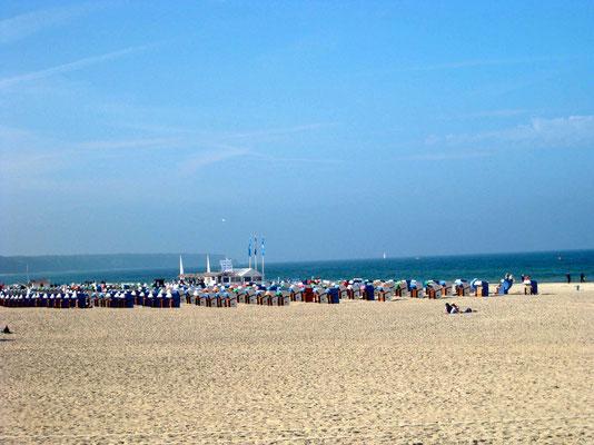 Stramm stehende Strandkörbe