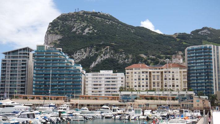 Der ferne Fels von Gibraltar ganz nah