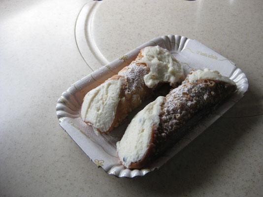 Und zum Dessert die verdienten Cannoli