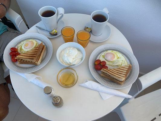 Eines der Varianten reichen Morgenessen