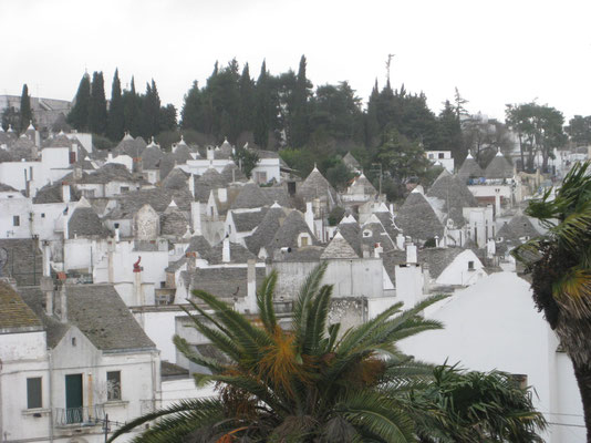 Blick auf die Trulli-Stadt Alberobello