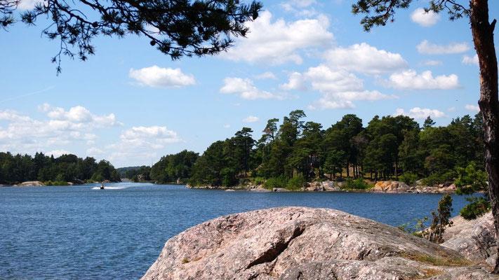 Märchenhafte Schärenlandschaft, die unzählige Gelegenheiten bietet für das Picknick