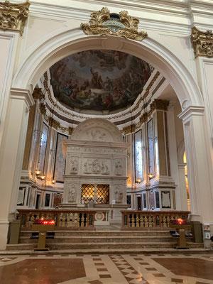 Die Basilika San Bernardino in L'Aquila