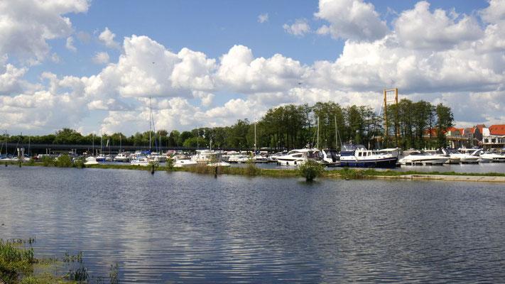 Wilder Himmel über dem Hafen von Gizycko - am Tor zur Masurischen Seenplatte