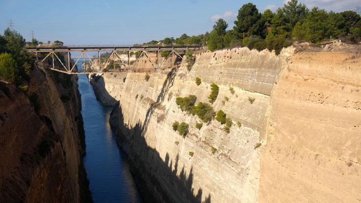 Der Kanal von Korinth, eine historische, beeindruckende Stätte