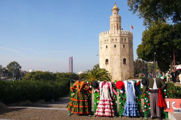 Der Torre del Oro kommt heute extra chic daher
