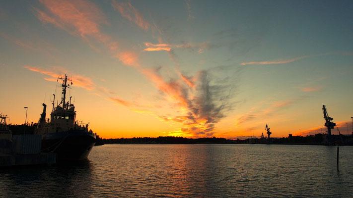 Abend wirds am Hafen von Oxelösund