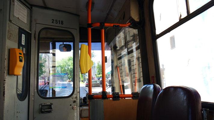 Der fast nostalgische Trolley-Bus bringt .....