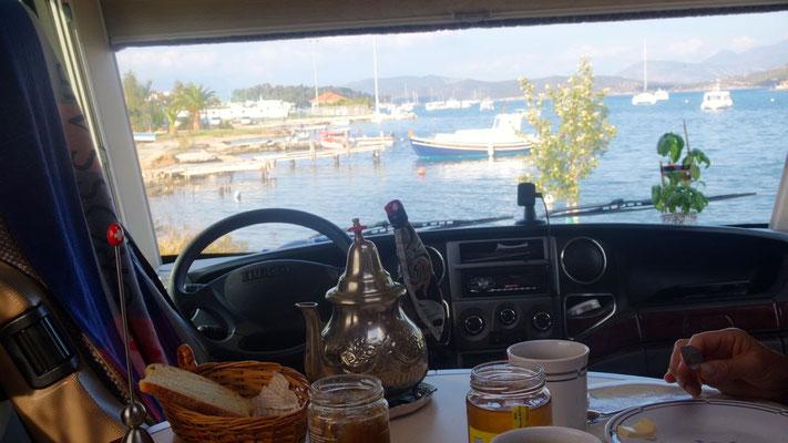 Ausblick vom Frühstückstisch