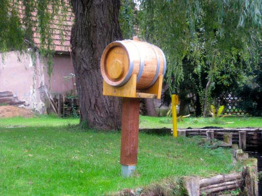 Der Briefkasten wird im Sommer direkt vom Wasser aus beschickt