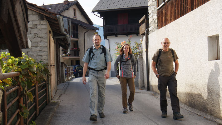 mit Sohnemann Manuel und seiner Antonia: los geht's mit Rucksack und guter Laune