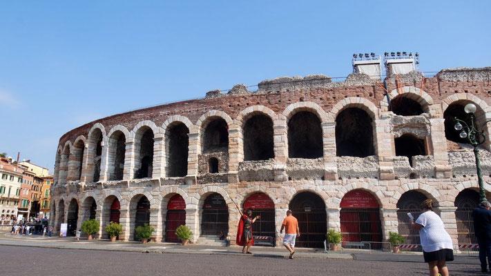 In der Arena di Verona begeistert Zucchero zur Zeit mit seinen Konzerten
