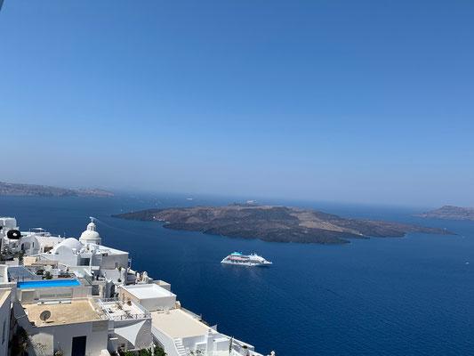 Typisch für Santorini: blau, weiss und heiss!