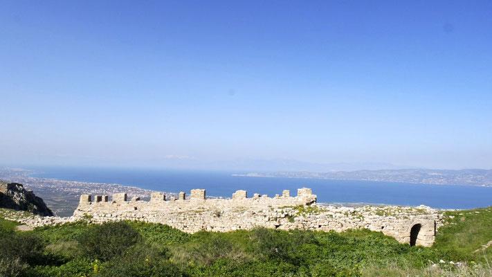 Von der riesigen und weitläufigen Festungsanlage geniesst.......