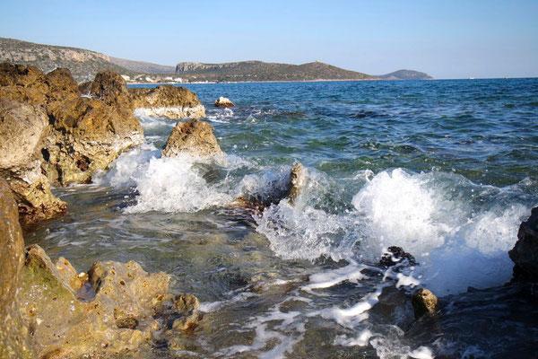 Wellenspiele an der Pori Beach