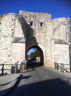 Am Tor zu Provins