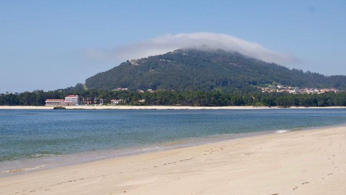 Vom Strand in Caminha äugen wir schon mal rüber nach Spanien, das nur noch ein Steinwurf entfernt ist