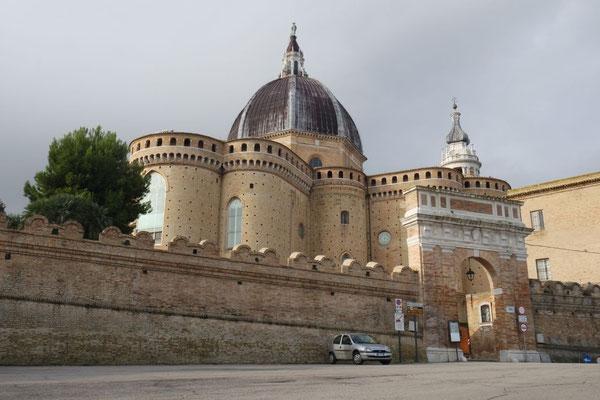 Die umwerfende Basilika von Loreto