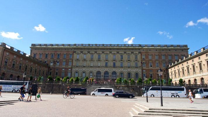 Der Königspalast liegt mitten in der Altstadt