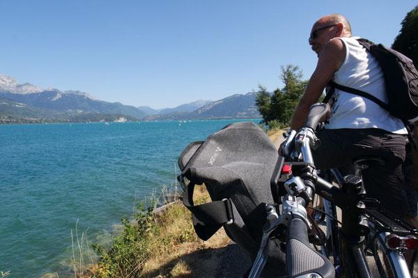 Eine Radtour rund um den Lac d'Annecy