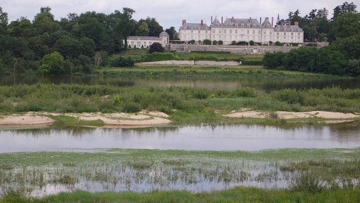 Herrenmässige Schlösser säumen die Loire