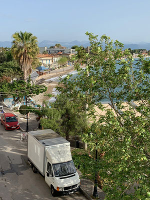 Ausblick vom Hotel in Selianitika, auf dem Weg nach Piräus zur Fähre nach Kreta