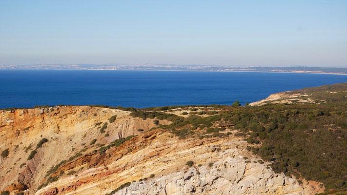 Lissabon in weiter Ferne - Ausblick vom Cabo Espichel