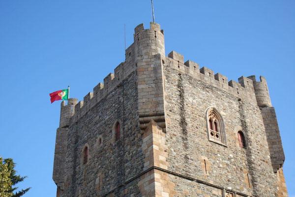 Da flattert sie im Wind, die stolze Portugiesenfahne
