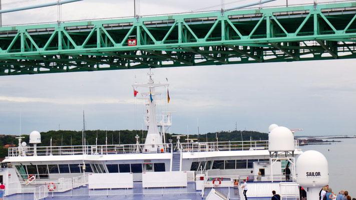 Alles nach Mass - ziemlich spektakuläre Hafenausfahrt mit der Germanica von STENA LINE!