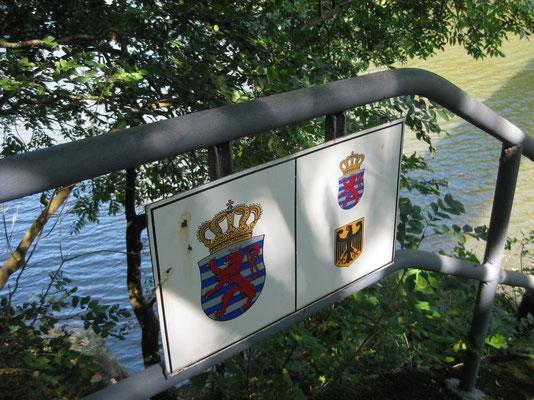 Die Our bildet die Grenze zwischen Luxemburg und Deutschland
