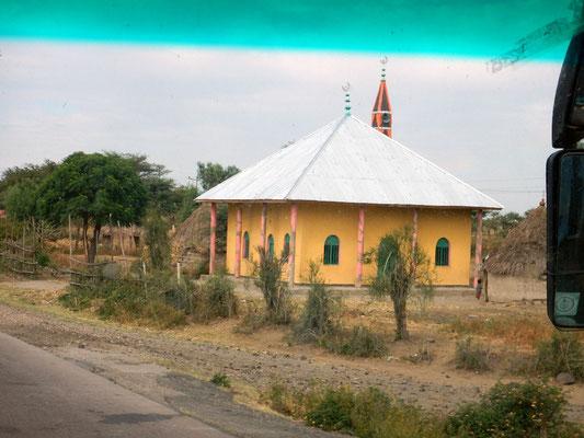 Une mosquée. Voyage Séjour Trek Trekking Randonnée Road Trip Visite de la Région Oromia en Ethiopie. Trip Road Sahashamane to Addis Ababa