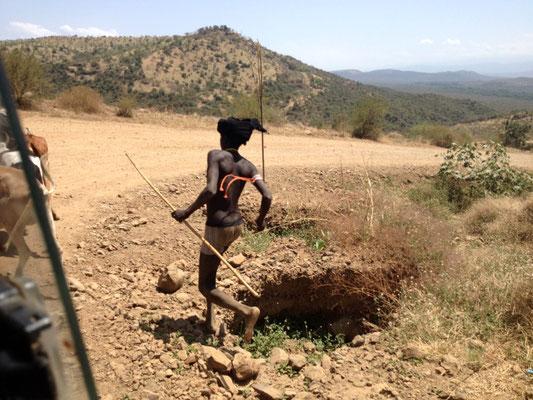 Les Mursi en Ethiopie. Voyage Séjour Trek Trekking Randonnée Road Trip en Ethiopie Visite de la Vallée de l'Omo en Ethiopie.