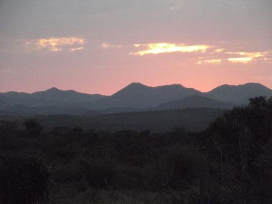 Paysages Couché de soleil Sunset Météo Voyage Séjour Trek Trekking Randonnée Road Trip en Ethiopie Visite de la Vallée de l'Omo, de l'Oromia, de l'Amhara et du Tigré en Ethiopie.