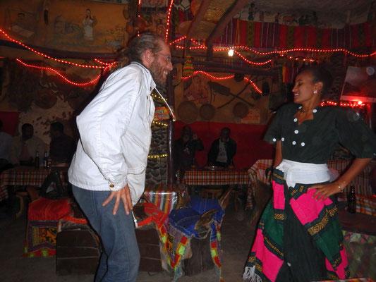 Apprenons la danse de Lalibela.  Lalibela en trek une ville sereine.  Voyage Séjour Trekking et randonnée, Road Trip en Ethiopie.  Région Amhara