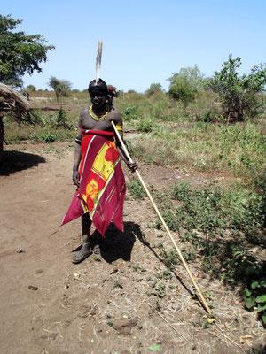 Un chasseur Mursi Les Mursi en Ethiopie. Voyage Séjour Trek Trekking Randonnée Road Trip en Ethiopie Visite de la Vallée de l'Omo en Ethiopie.